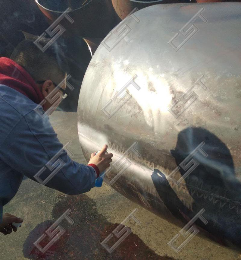 Penetranttesting for large diameter 90 degree elbow weld